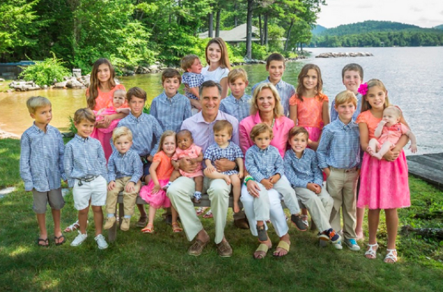 romney-2013-christmas-photo